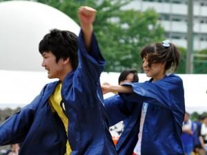独創的な踊りやかけ声が印象に残った高2の〈よさこい〉。