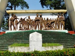 バターン死の行進を追悼する記念碑